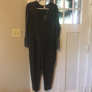 NWT Long Sleeve romper with pockets